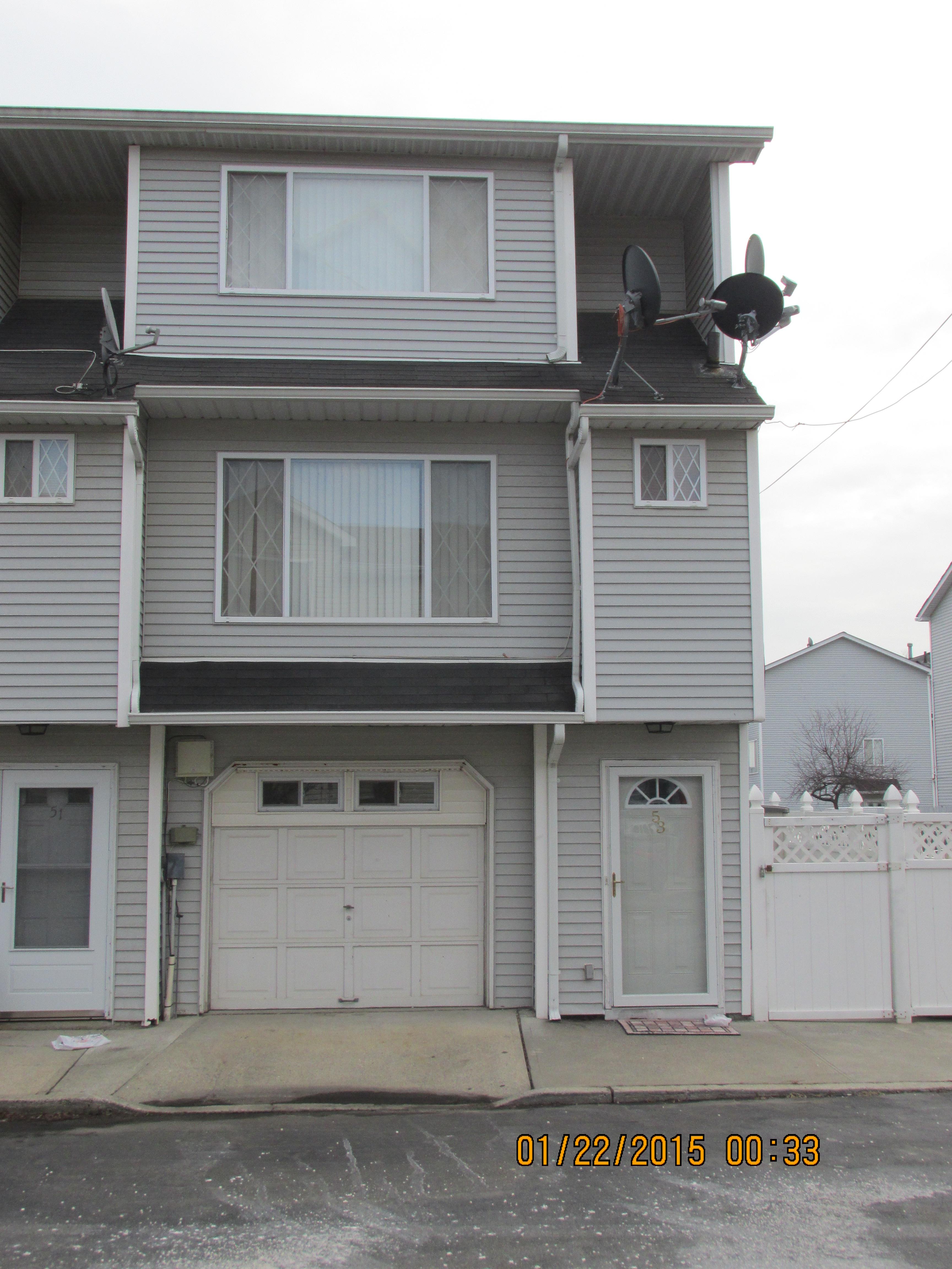 53 Simmons Ln, Staten Island, NY 10314