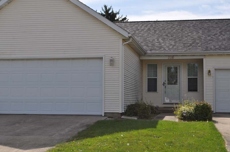 516 Lissaaron Dr, Winchester, IN 47394