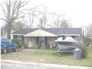 165 5th Ave, Chickasaw, AL 36611