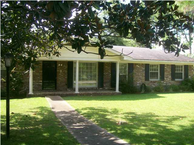 1861 Forest Oaks Dr, Mobile, AL 36618