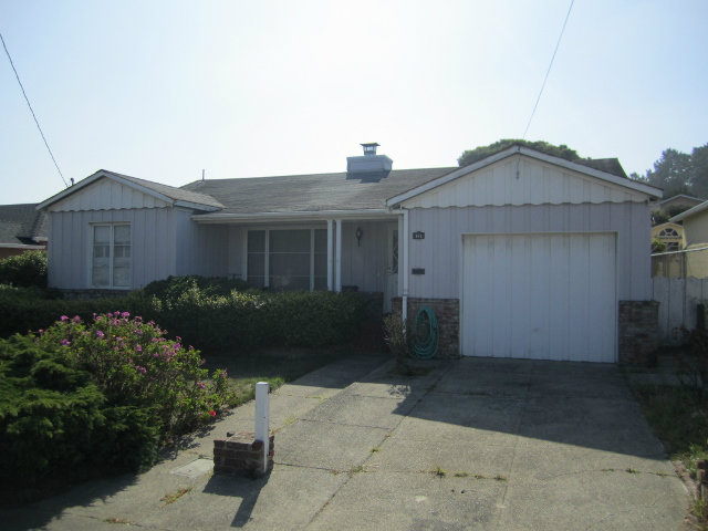 615 Midway Ave, Daly City, CA 94015
