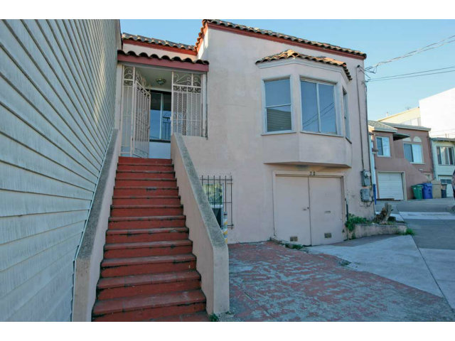 60 Mission Cir, Daly City, CA 94014
