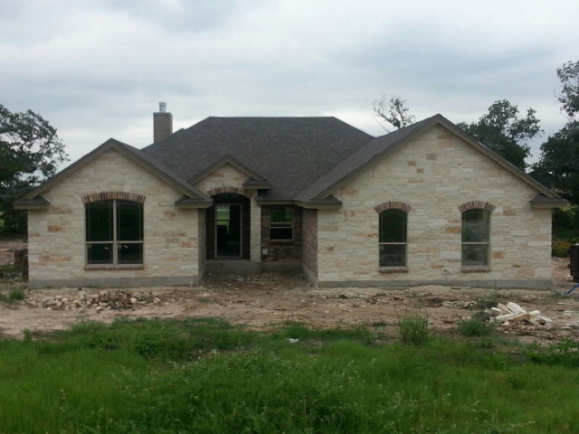 181 Great Oaks Blvd, La Vernia, TX 78121