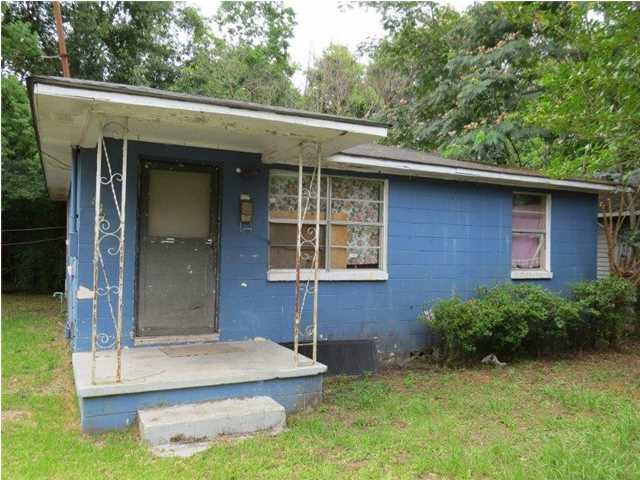 827 Garrison Ave, Prichard, AL 36610