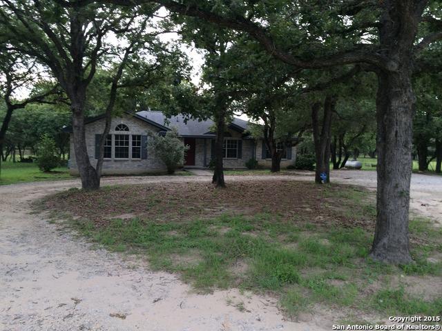 299 Shannon Rdg, Floresville, TX 78114