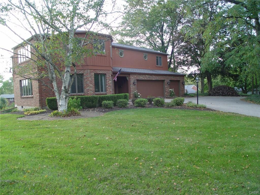 515 Locust Hill Dr Englewood, OH