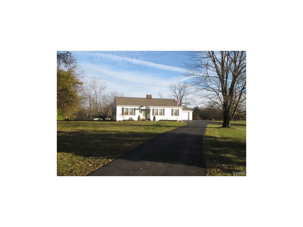 7396 New Paris Gettysburg Rd, New Paris, OH 45347