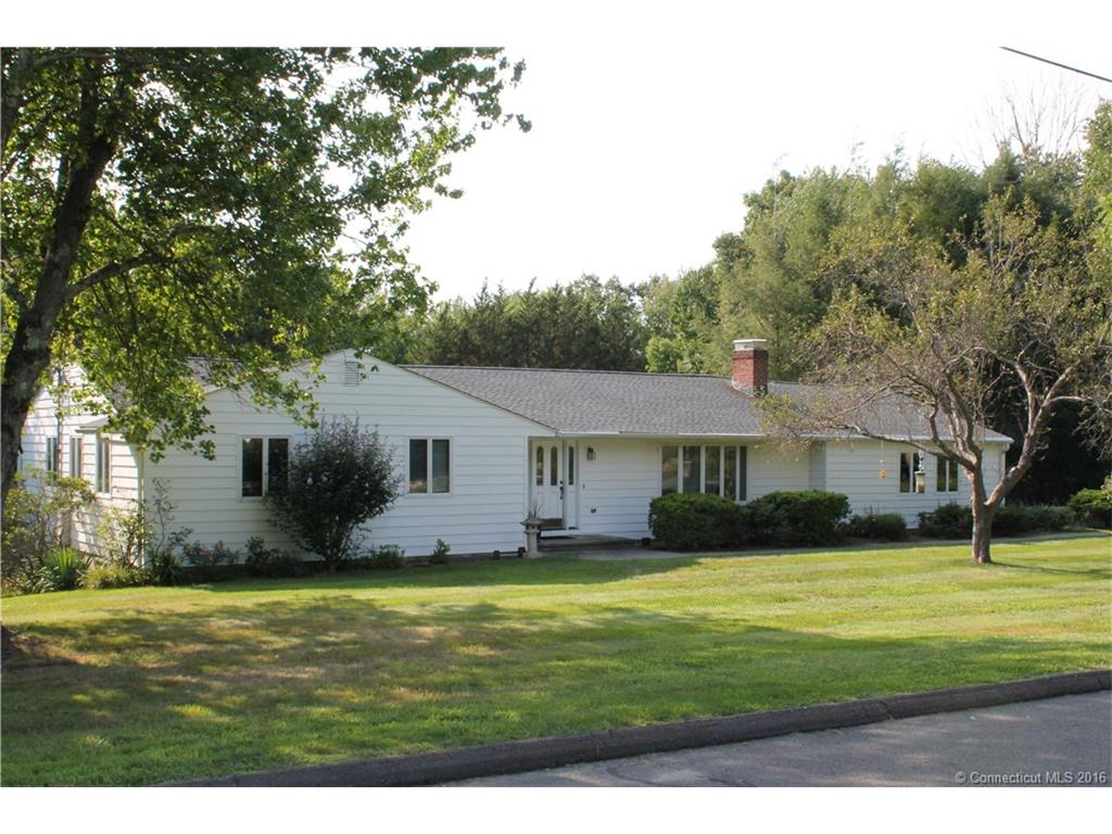 69 Stonewall Dr, Middlebury, CT 06762