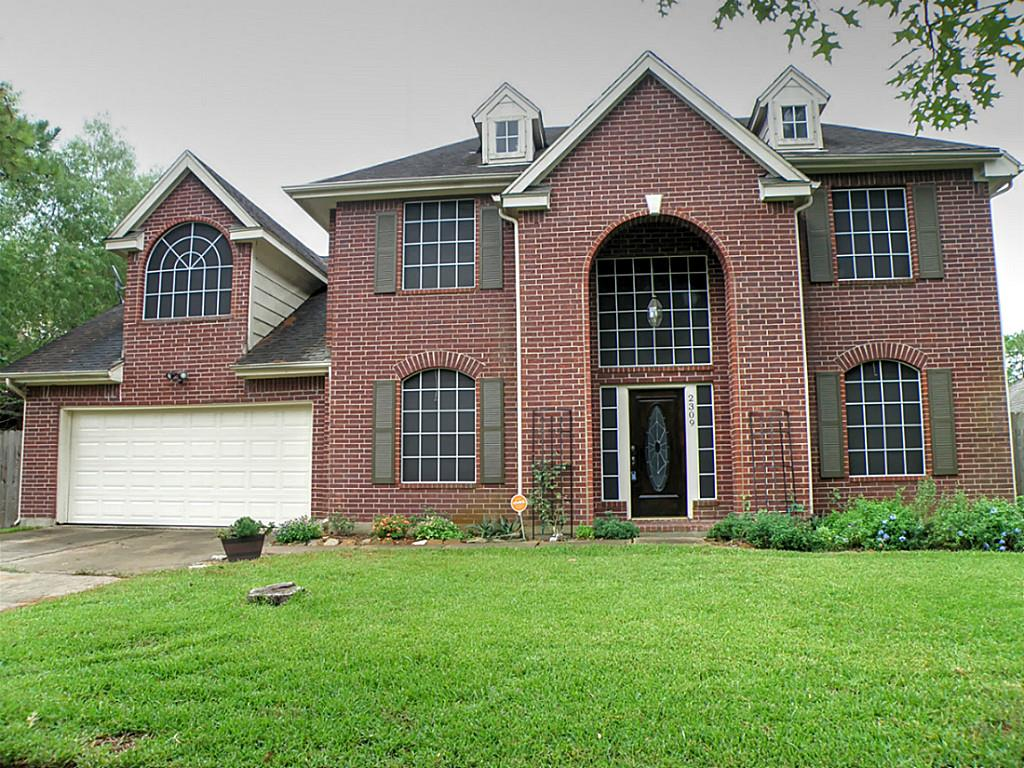 2309 Piney Woods Dr, Pearland, TX 77581