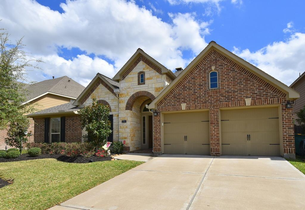 2705 Night Song Dr, Pearland, TX 77584