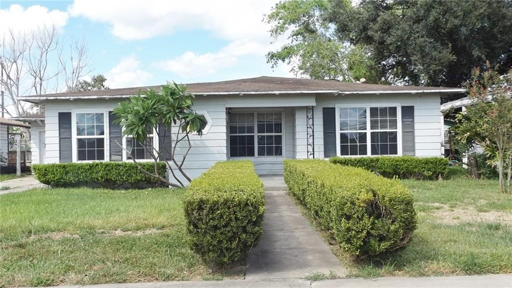 123 W Ligustrum Blvd, Robstown, TX 78380