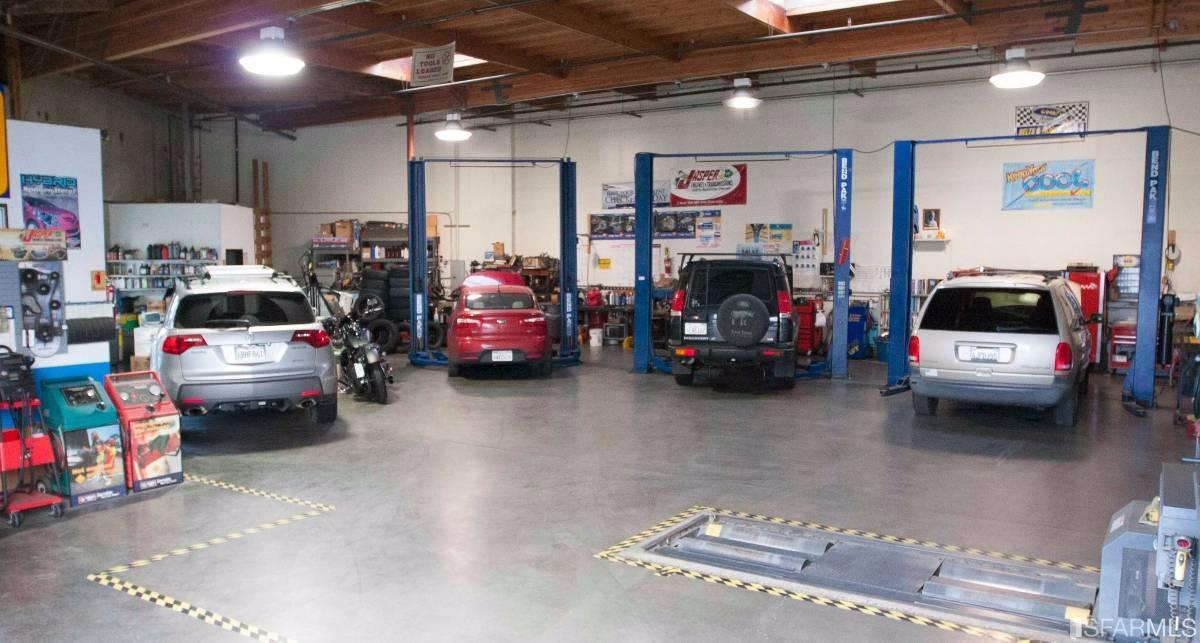 24617 Industrial Blvd, Hayward, CA 94545
