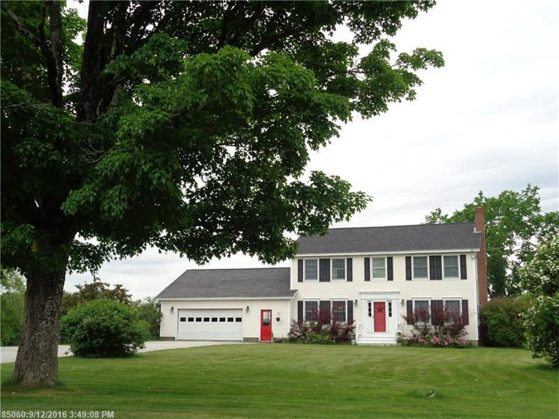 387 Exeter Rd, Corinth, ME 04427