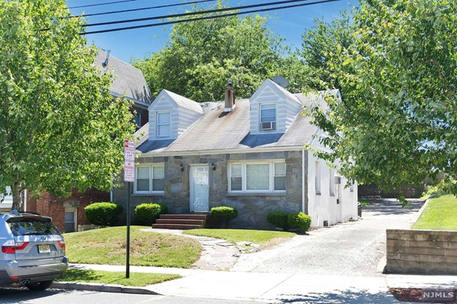 664 Valley Brook Ave, Lyndhurst, NJ 07071