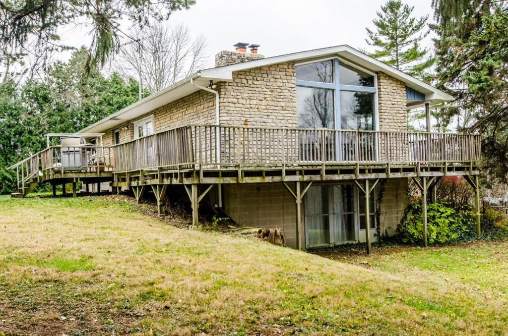 6566 State Route 320, New Paris, OH 45347