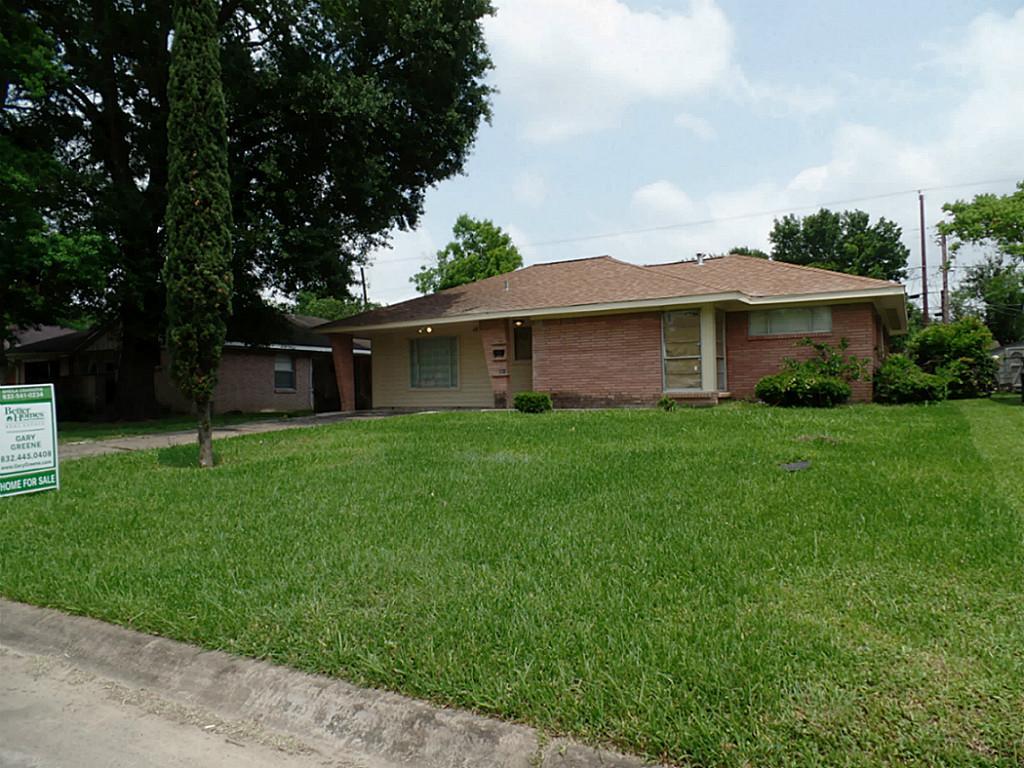 1815 Firwood Dr, Pasadena, TX 77502