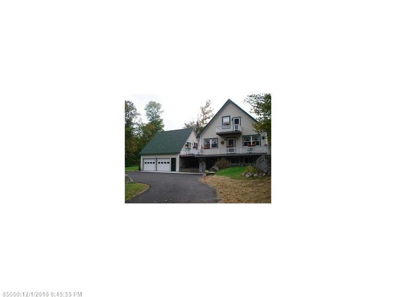 1094 Great Moose Dr, Hartland, ME 04943