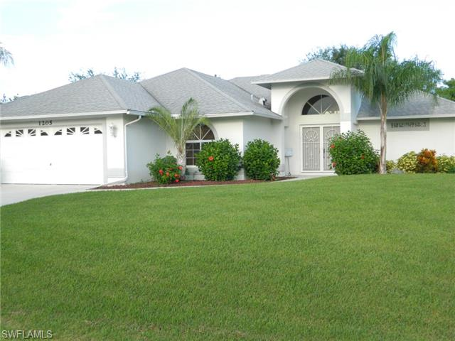 1205 Sw 4th Ct, Cape Coral, FL 33991