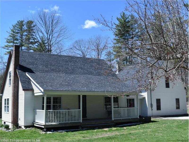 15 Cottage Rd, Winthrop, ME 04364
