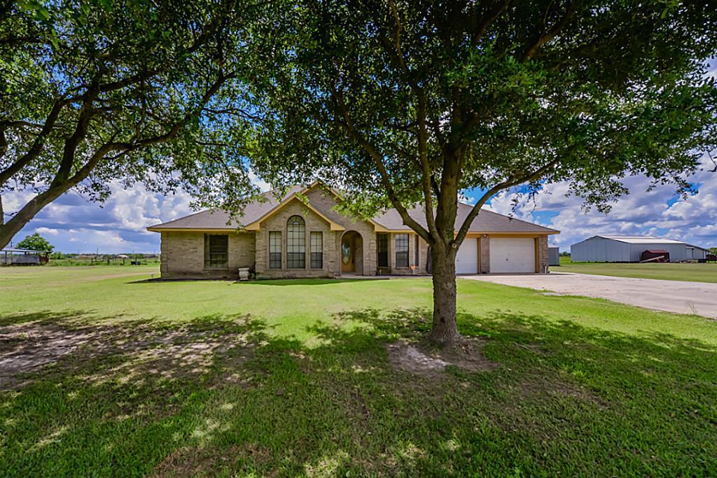 744 N Hamshire Rd, Winnie, TX 77665