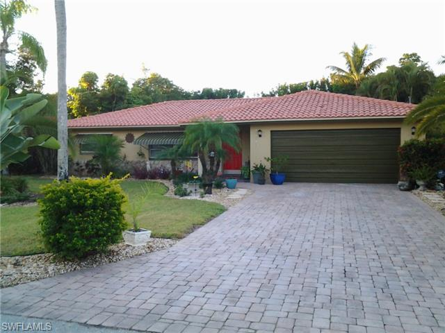 330 Se 32nd Ter, Cape Coral, FL 33904