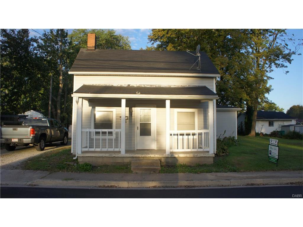 8 N Sycamore St, Jamestown, OH 45335