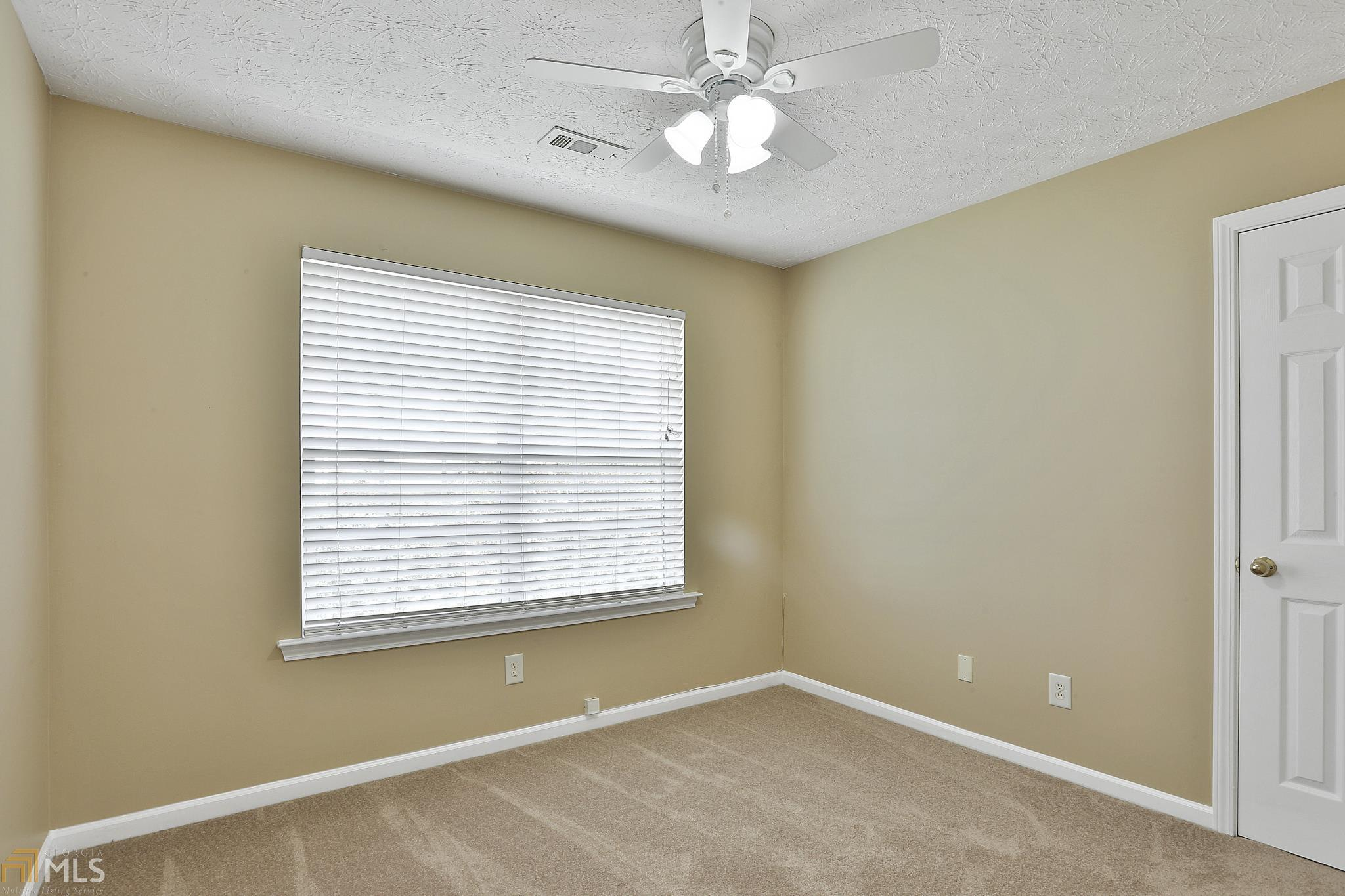 80 Roxbury Ln Newnan, GA