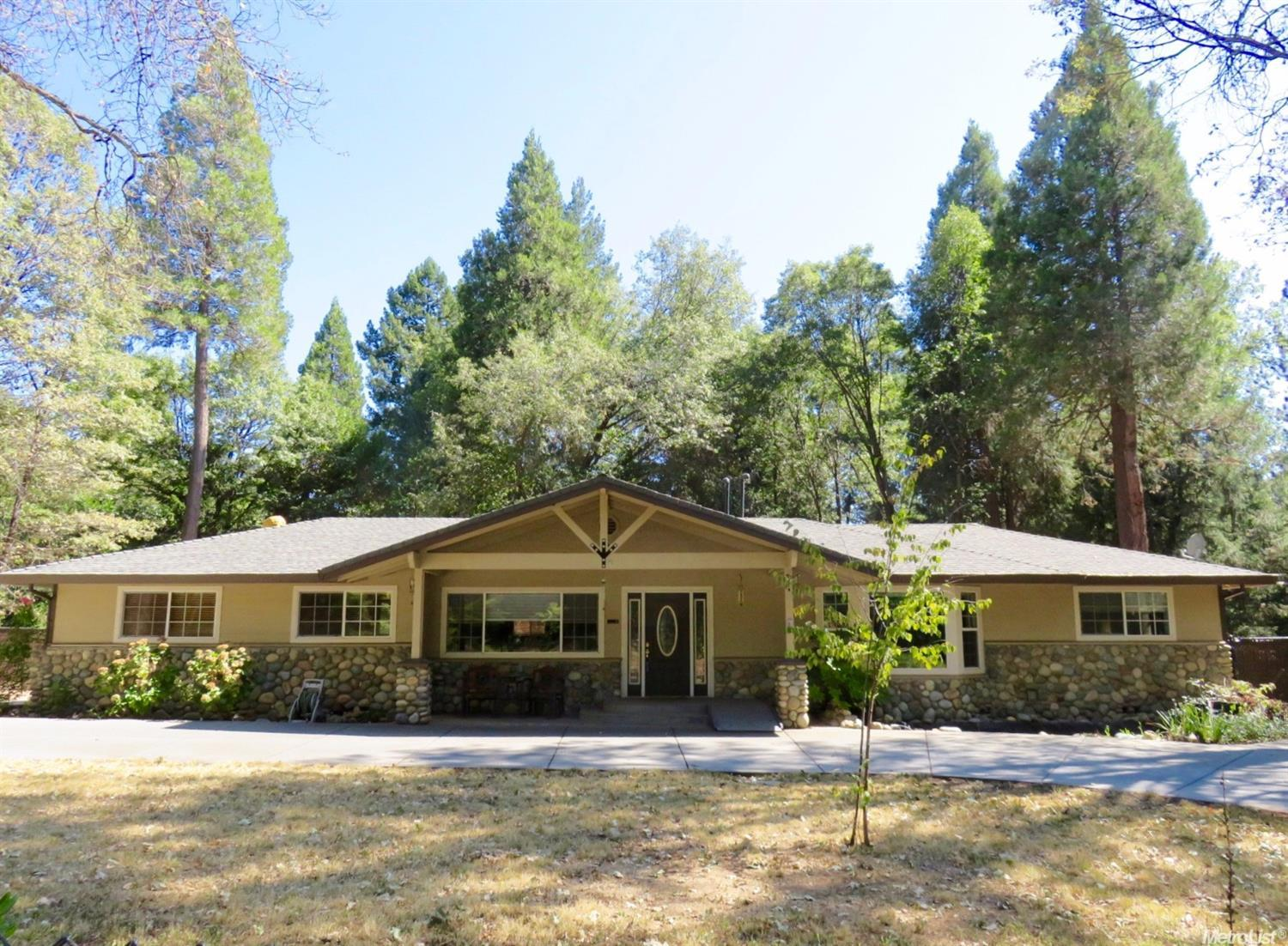 22620 Foresthill Rd, Foresthill, CA 95631