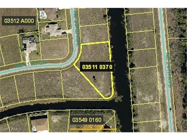 2246 NE 13th Ln, Cape Coral, FL 33909