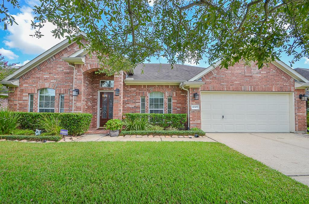 11307 Silver Bay Ct, Pearland, TX 77584