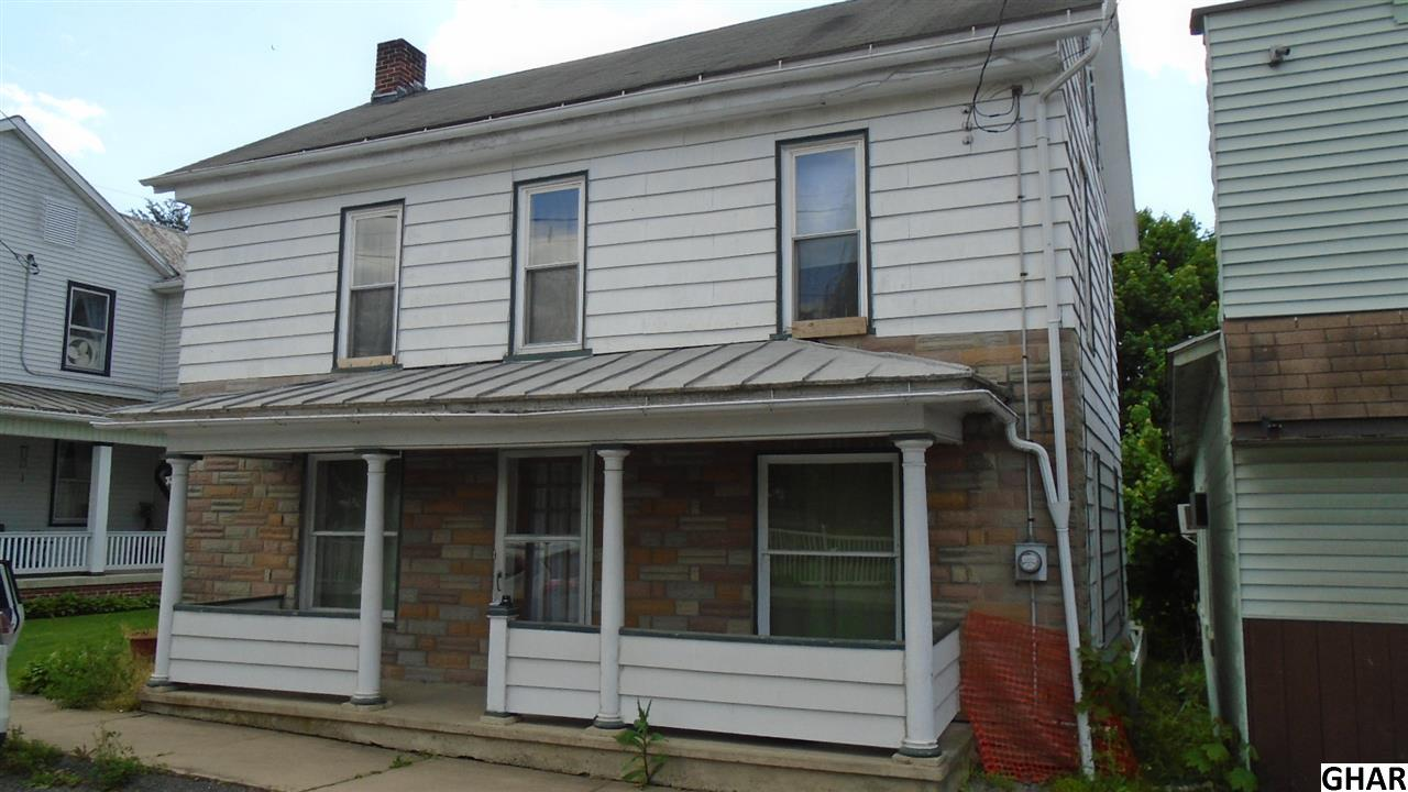 37 N Market St, Millerstown, PA 17062