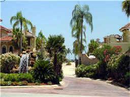 509 Villa Dr, Seabrook, TX 77586