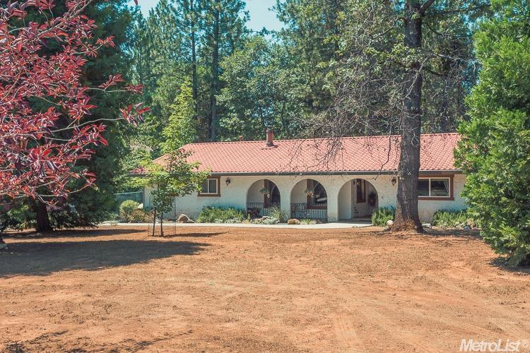 5920 Happy Pines Dr, Foresthill, CA 95631
