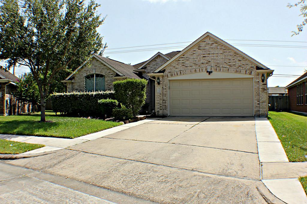 4207 Warwick Dr, Pasadena, TX 77504