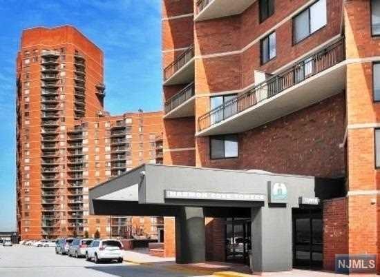 620 Harmon Cove Tower, Secaucus, NJ 07094