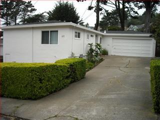 611 Brighton Rd, Pacifica, CA 94044