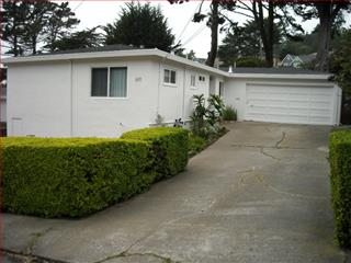 611 Brighton Rd, Pacifica, CA 94044