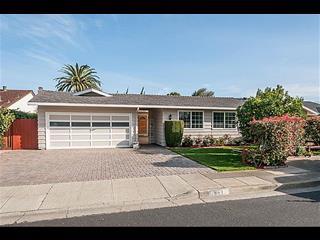 861 Comet Dr, Foster City, CA 94404