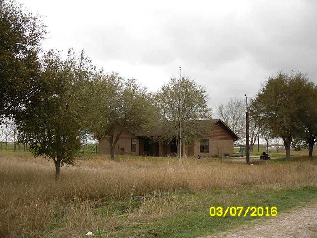 128 County Road 221, East Bernard, TX 77435