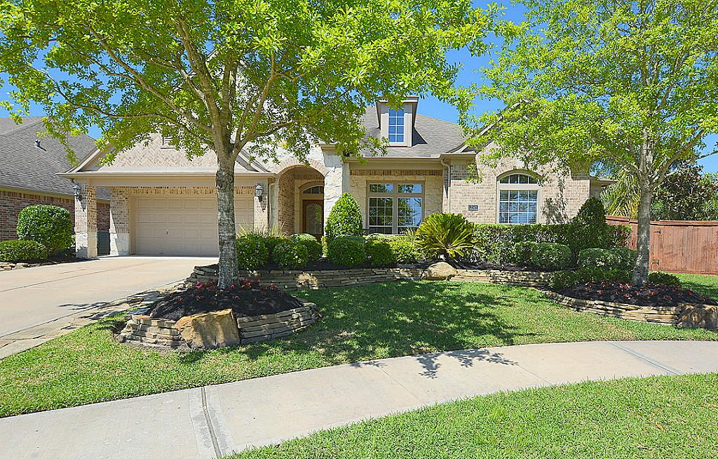 12501 Stoney Creek Dr, Pearland, TX 77584