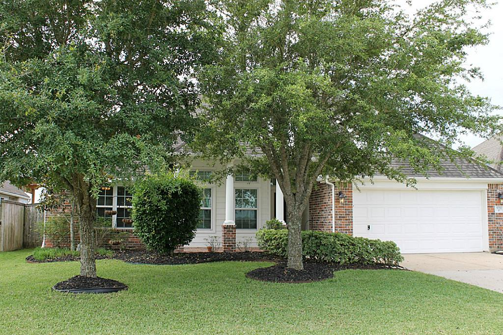5711 Emerald Brook Ln, League City, TX 77573