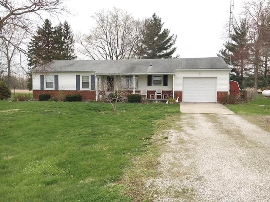 1446 N Centerville Rd, Centerville, IN 47330