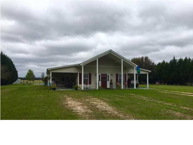 62537 Presley Rd, Atmore, AL 36502