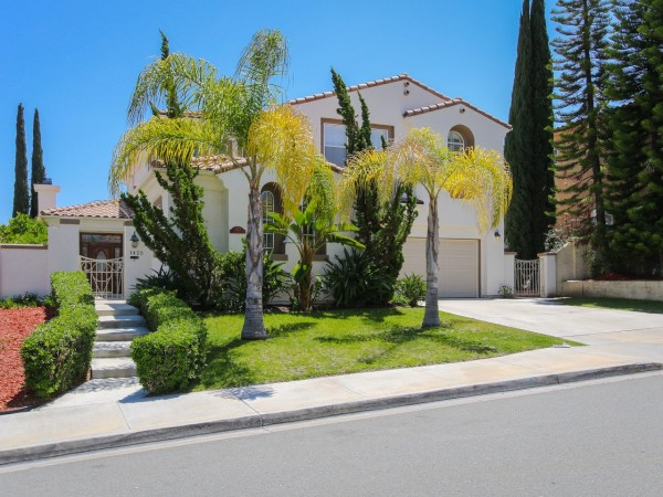 1425 S Creekside Dr, Chula Vista, CA 91915