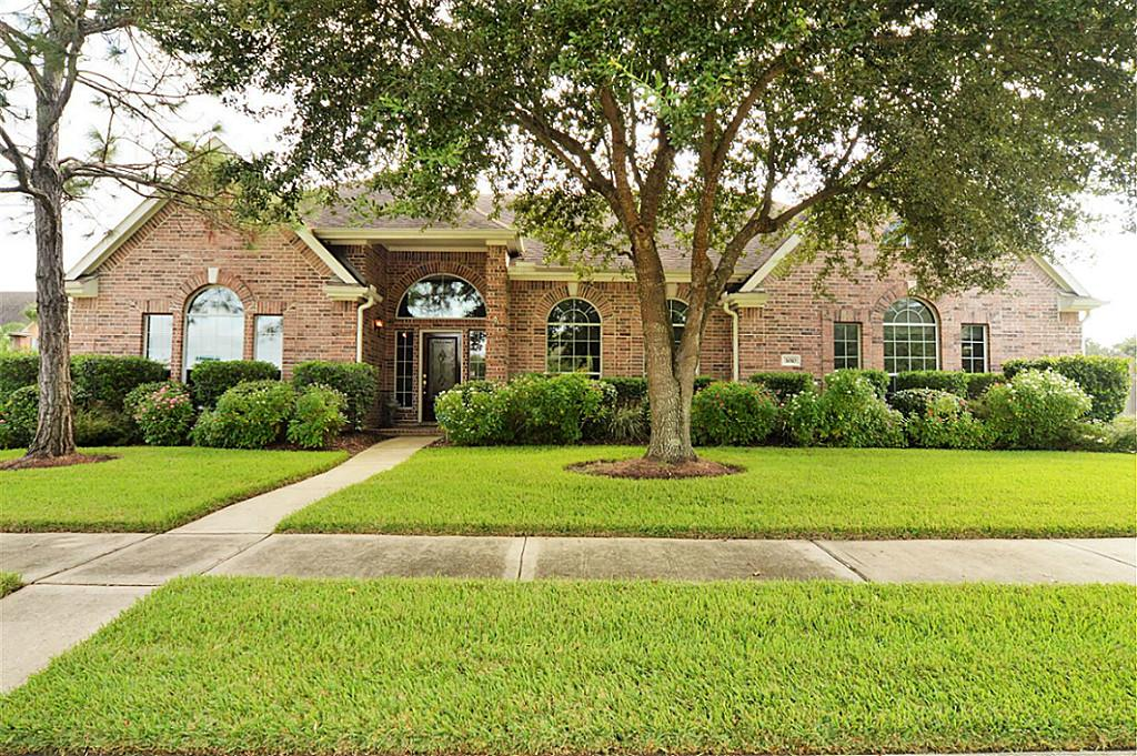 3010 Scenic View Ct, Seabrook, TX 77586