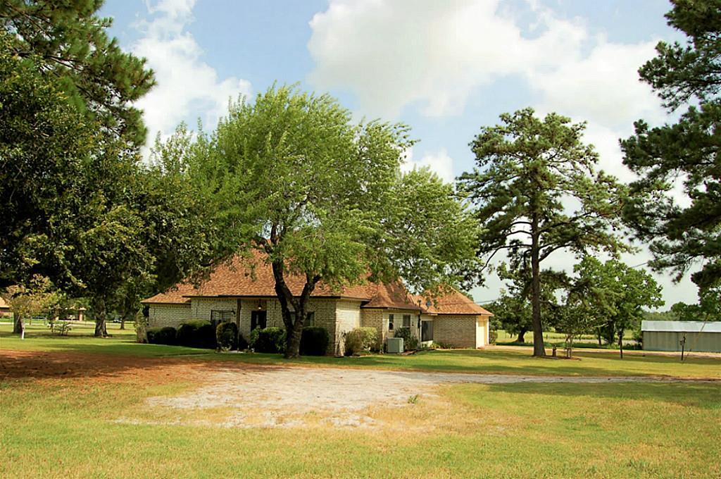 323 Obannon Ranch Rd, Huntsville, TX 77320