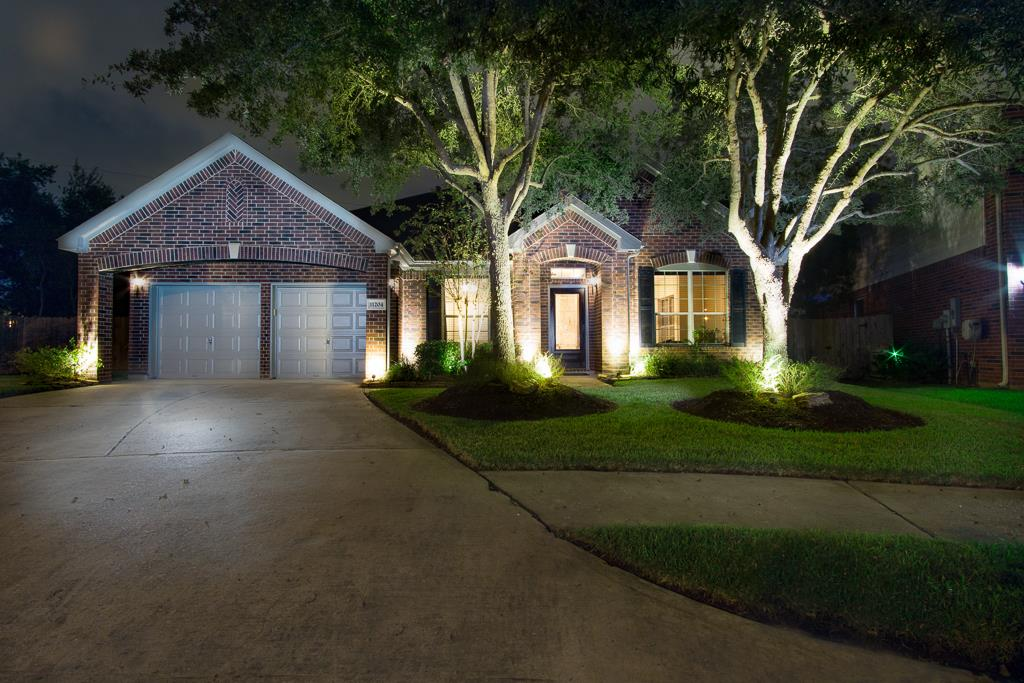 11204 Misty Morning Ct, Pearland, TX 77584