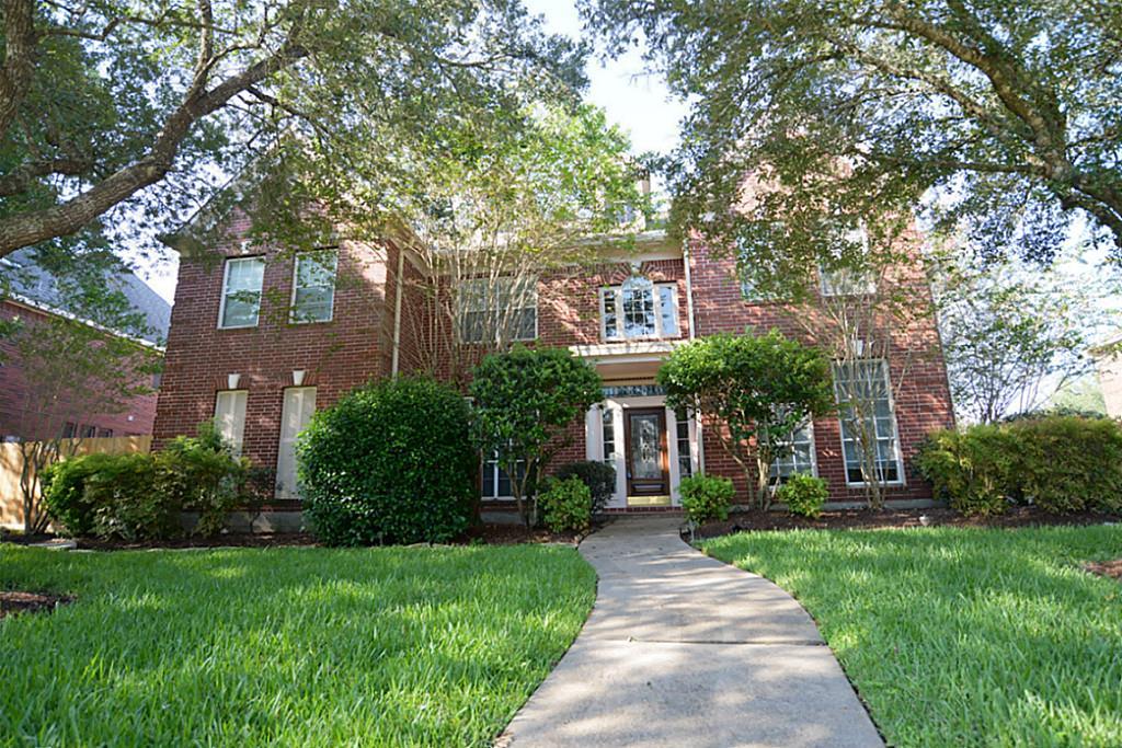 1810 Brookside Dr, Friendswood, TX 77546