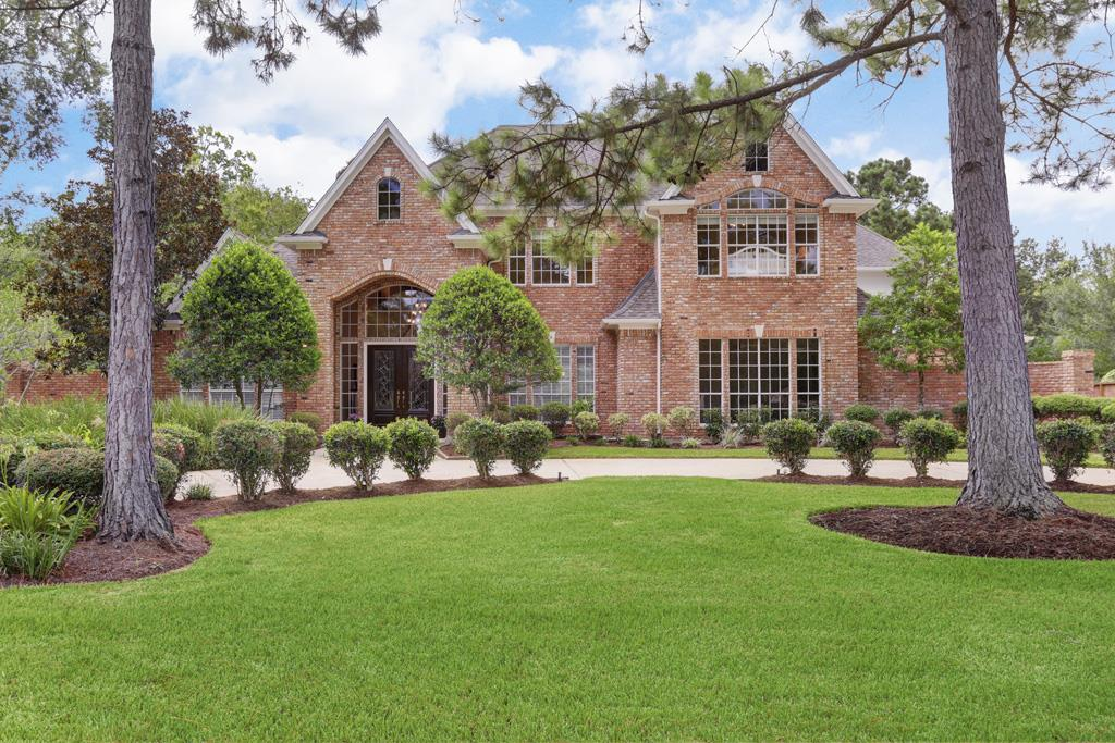 1005 Tall Pines Dr, Friendswood, TX 77546