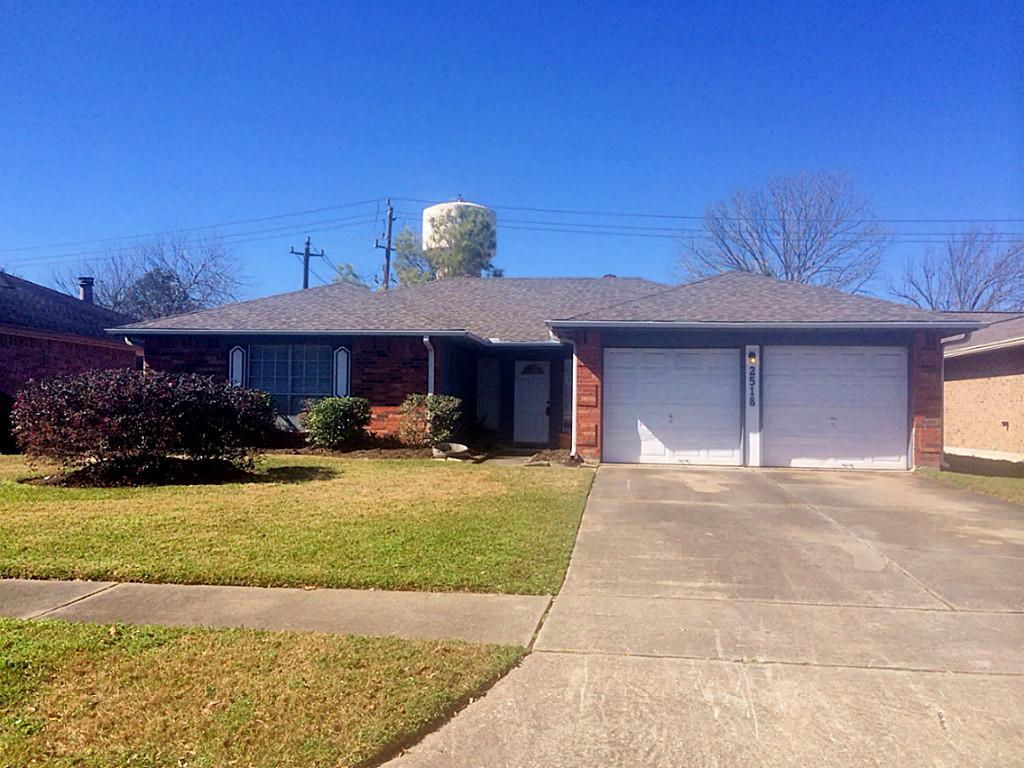 2518 Tall Ships Dr, Friendswood, TX 77546